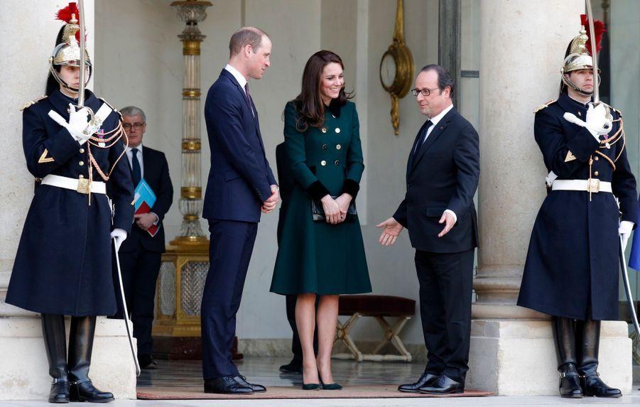 Le Prince William Et Kate Middleton Avec François Hollande Au Palais De L'Elysée