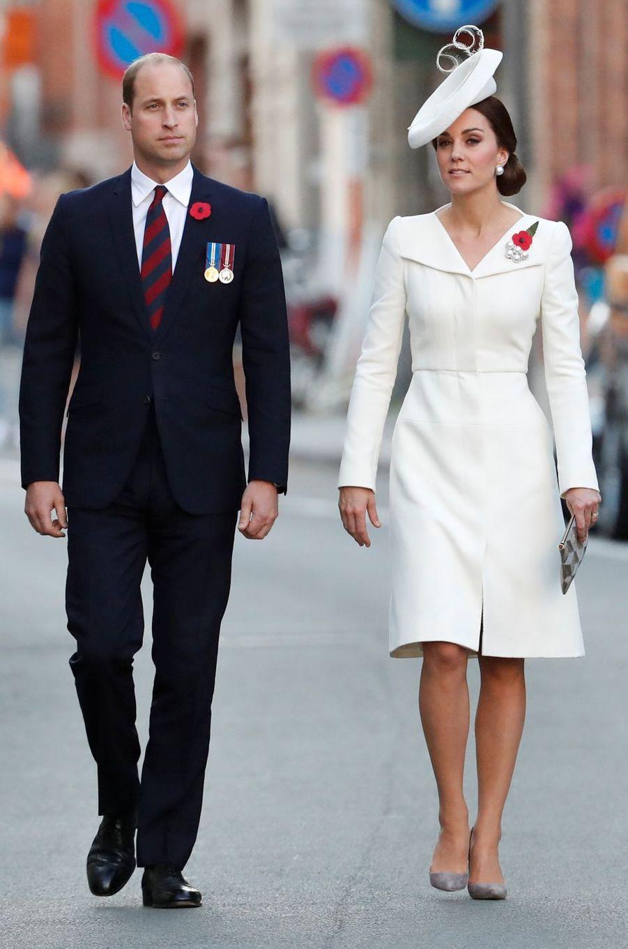 La duchesse Catherine de Cambridge en Alexander McQueen à Ypres le 30 juillet 2017