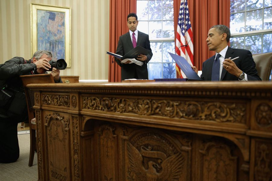 """Le """"Resolute desk"""" du temps de Barack Obama. Le 27 novembre 2013"""