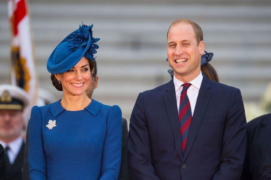 Le prince William, son épouse la duchesse de Cambridge, née Kate Middleton, et leurs deux enfants le prince George et la princesse Charlotte sont arrivés au Canada samedi pour leur premier voyage officiel à quatre