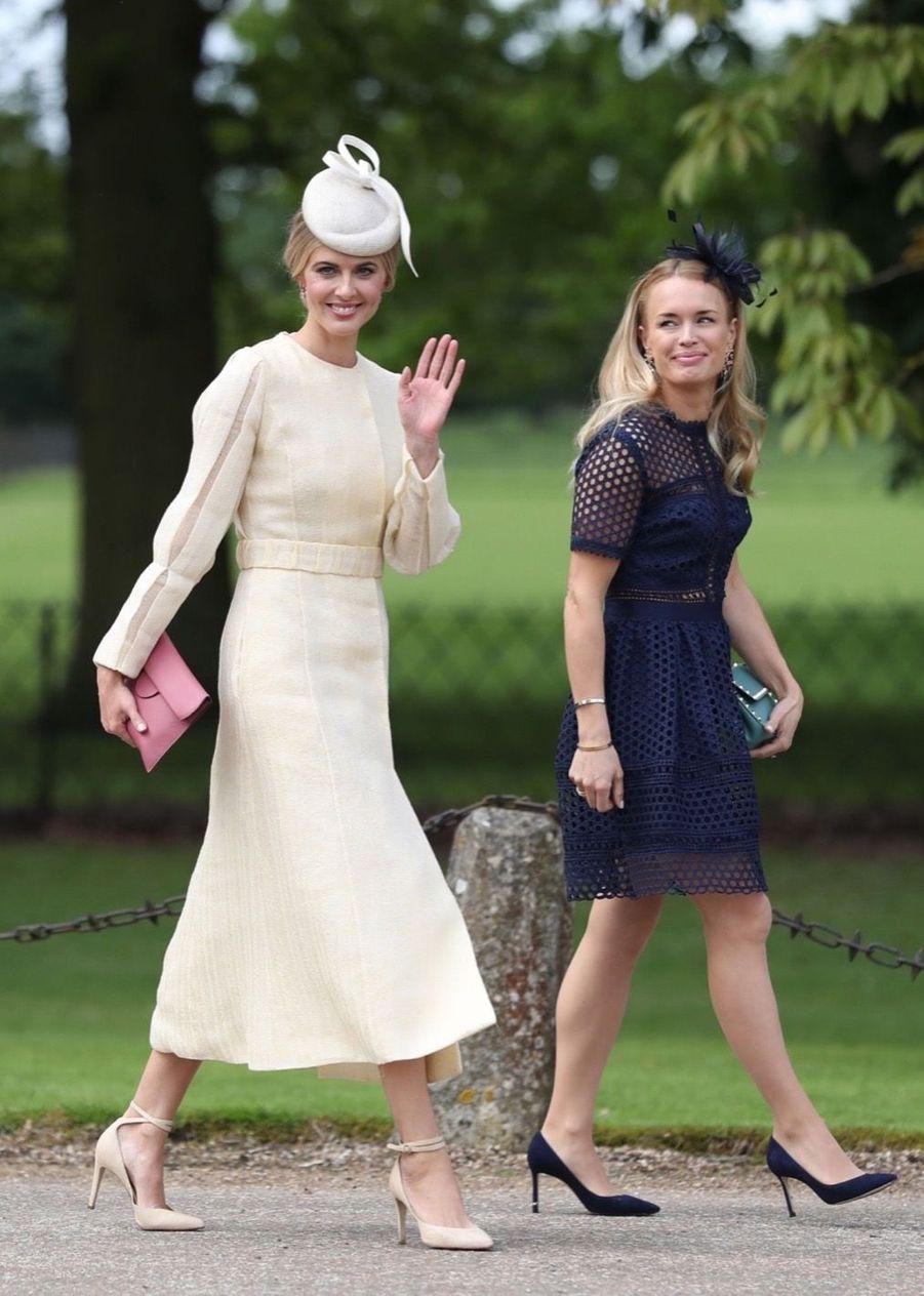 La compagne de James Middleton, Donna Air (à gauche), au mariage de Pippa Middleton