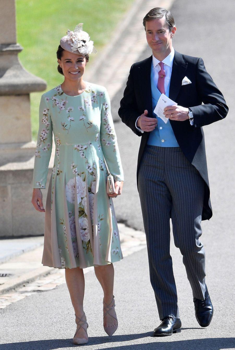Pippa Middleont et son épouxJames Matthews au mariage de Meghan et Harry