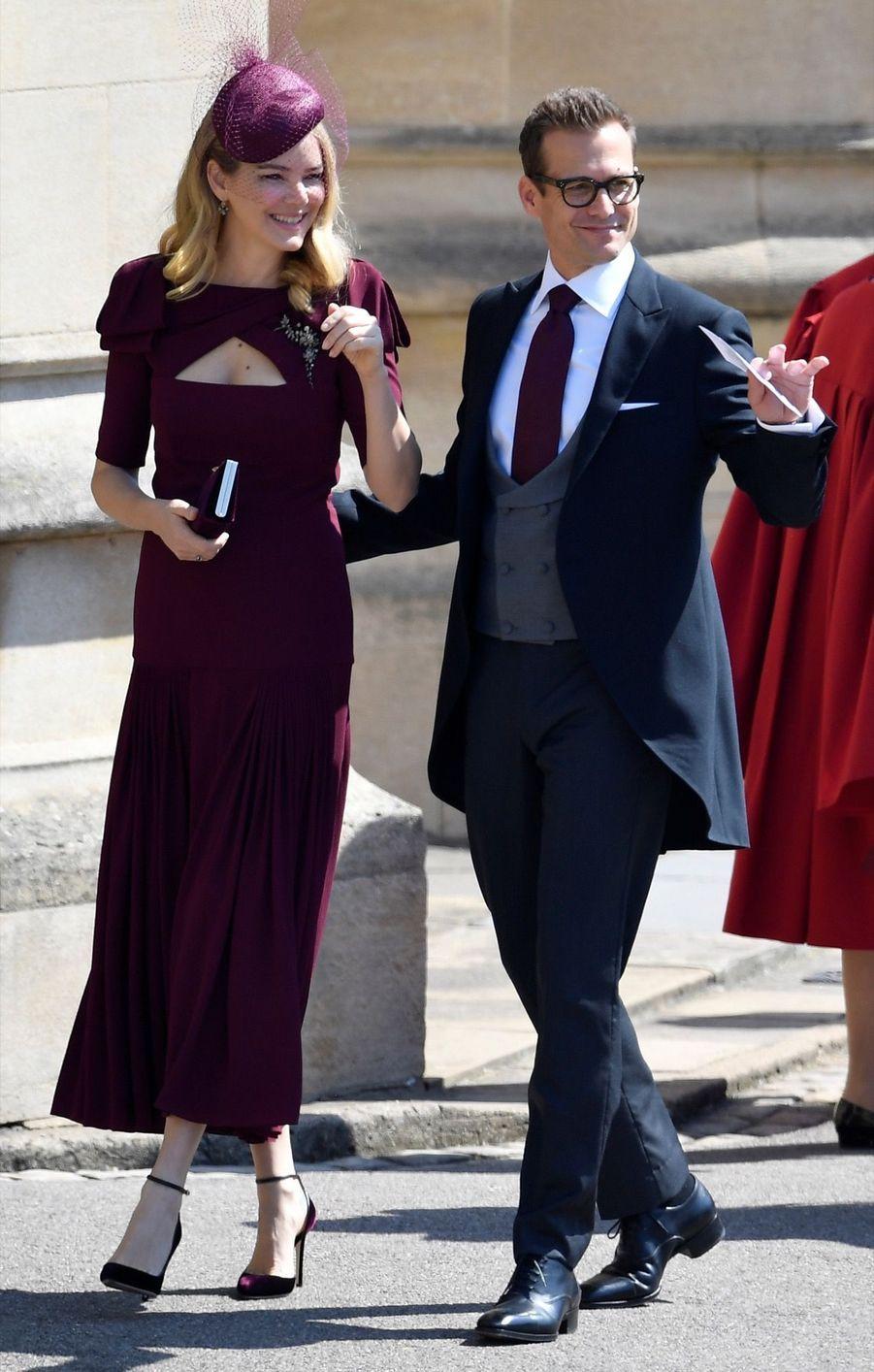 """L'acteur de """"Suits"""" Gabriel Macht et son épouse Jacinda Barrett au mariage de Meghan et Harry"""