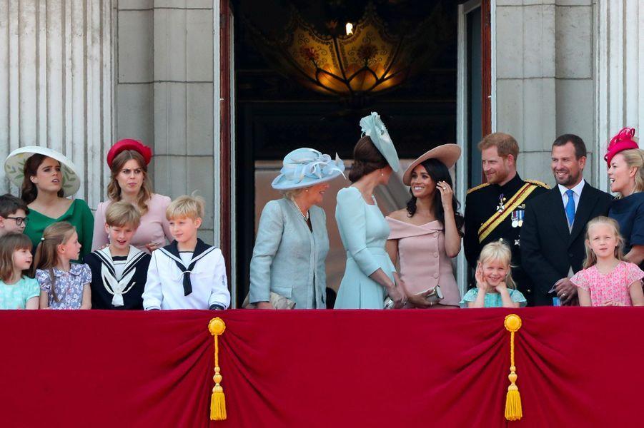 """La famille royale britannique au balcon du Palais de Buckingham, lors de la cérémonie """"Trooping the Colour"""", le 9 juin 2018."""