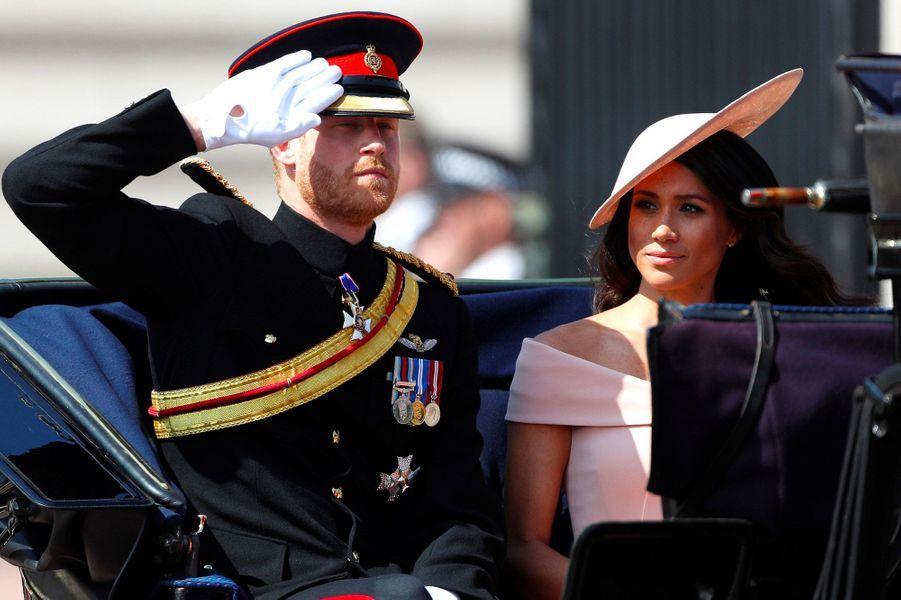 """Meghan et Harry, lors de la cérémonie """"Trooping the Colour"""", le 9 juin 2018."""