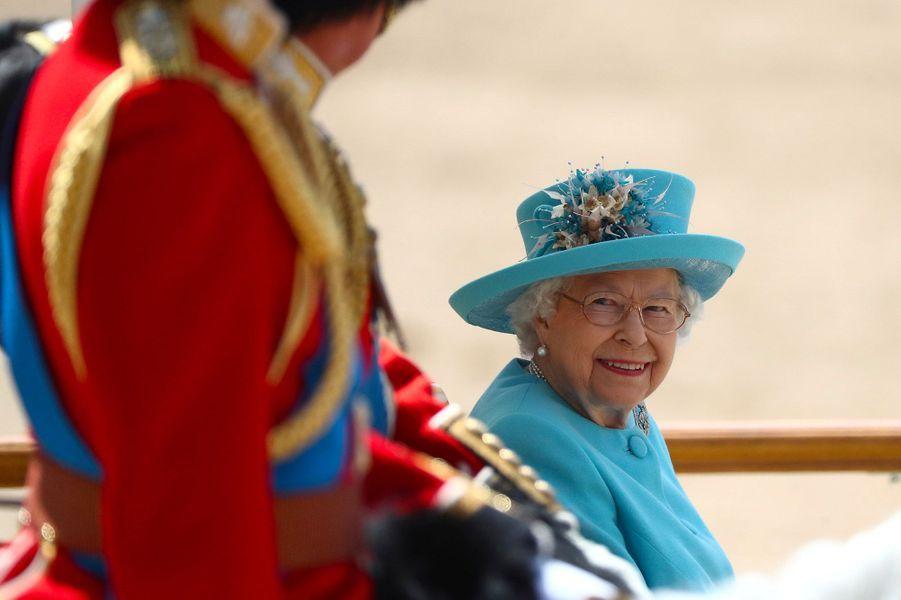 """La reine Elizabeth, lors de la cérémonie """"Trooping the Colour"""", le 9 juin 2018."""