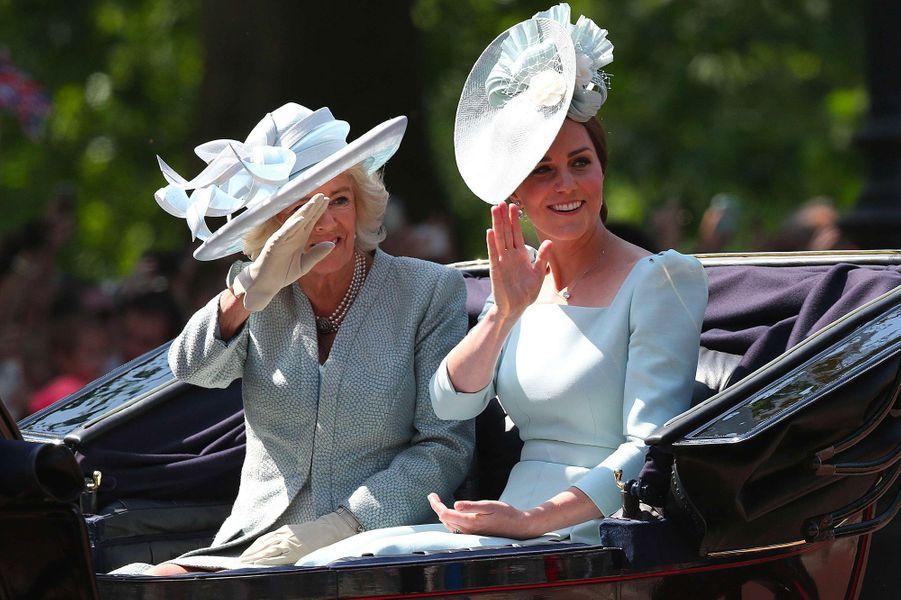 """Kate et Camilla, lors de la cérémonie """"Trooping the Colour"""", le 9 juin 2018."""