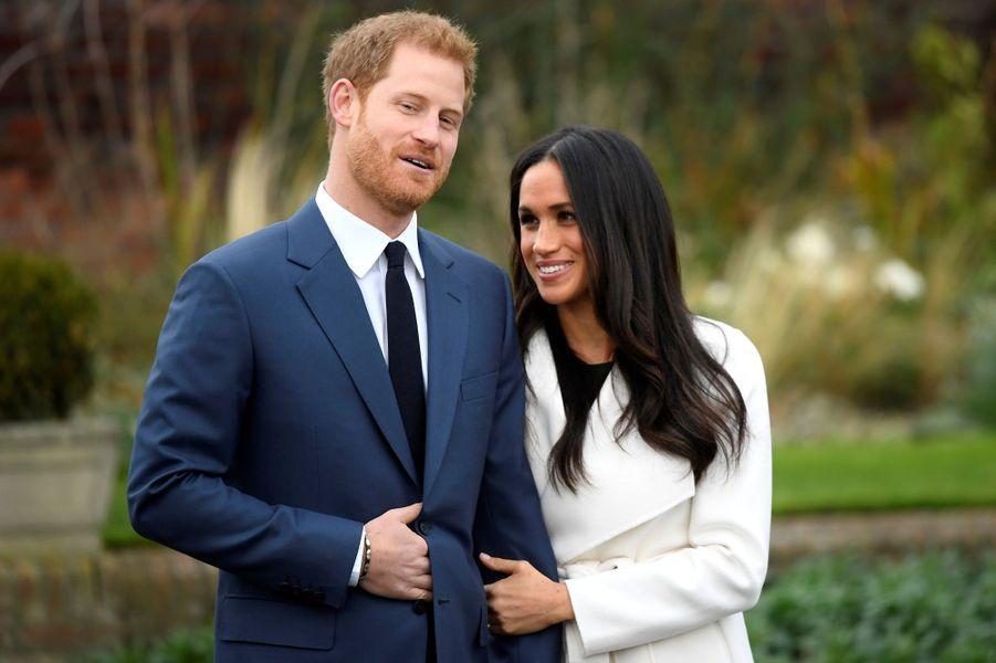 Le prince Harry et Meghan Markle au Sunken Garden de Kensington Palace.