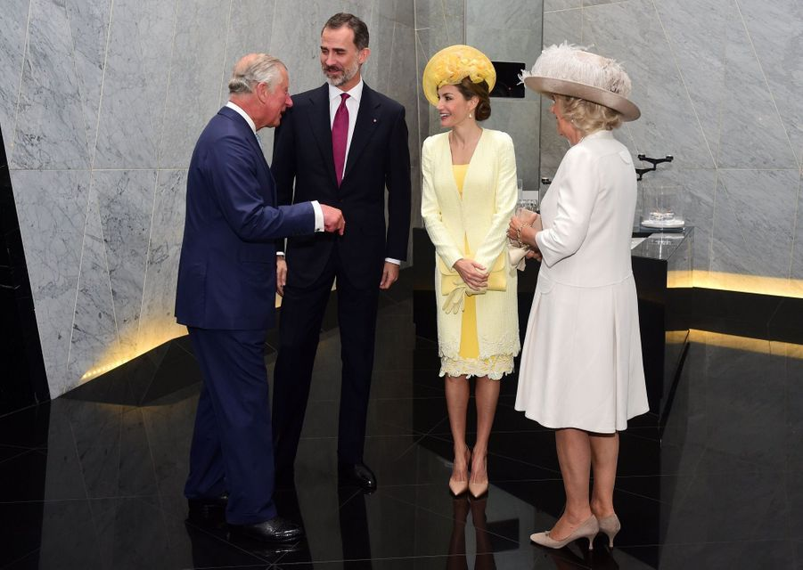 Letizia Et Felipe En Visite Chez La Reine Elizabeth II 1