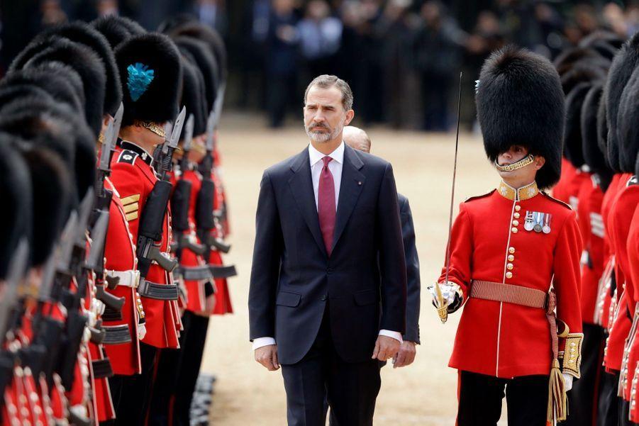 Letizia Et Felipe En Visite Chez La Reine Elizabeth II 11
