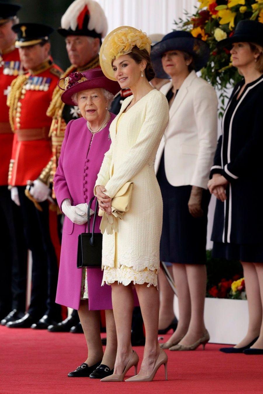 Letizia Et Felipe En Visite Chez La Reine Elizabeth II 12