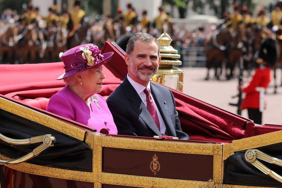 Letizia Et Felipe En Visite Chez La Reine Elizabeth II 17