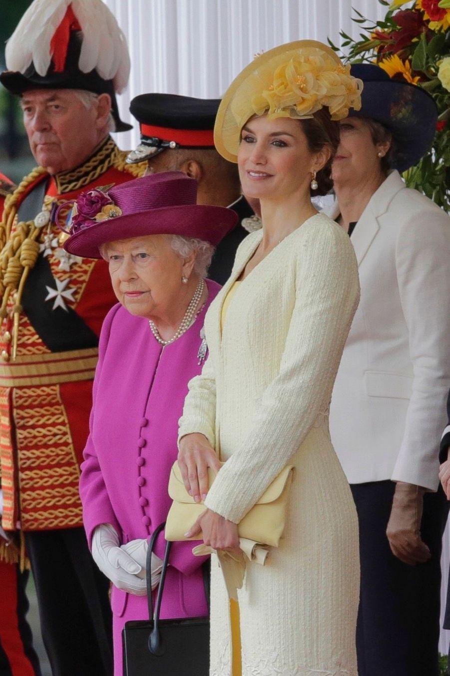 Letizia Et Felipe En Visite Chez La Reine Elizabeth II 21
