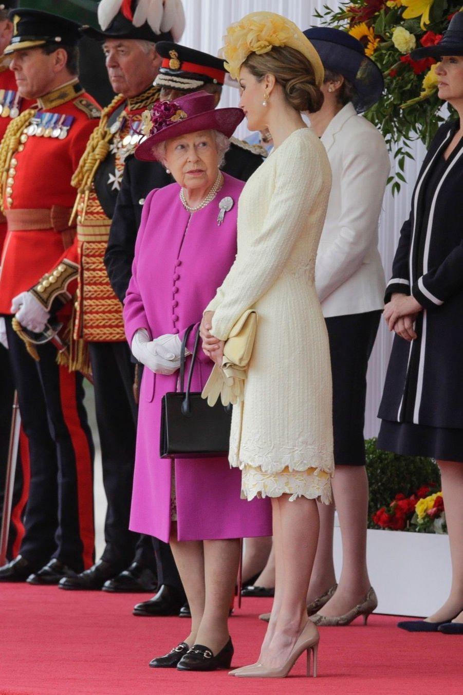 Letizia Et Felipe En Visite Chez La Reine Elizabeth II 22