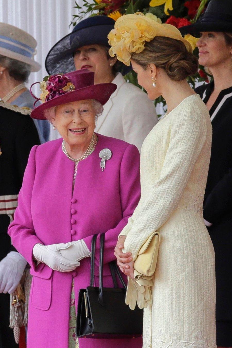 Letizia Et Felipe En Visite Chez La Reine Elizabeth II 23