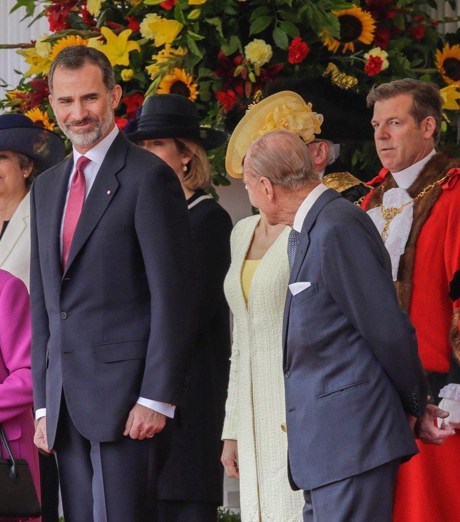 Letizia Et Felipe En Visite Chez La Reine Elizabeth II 24