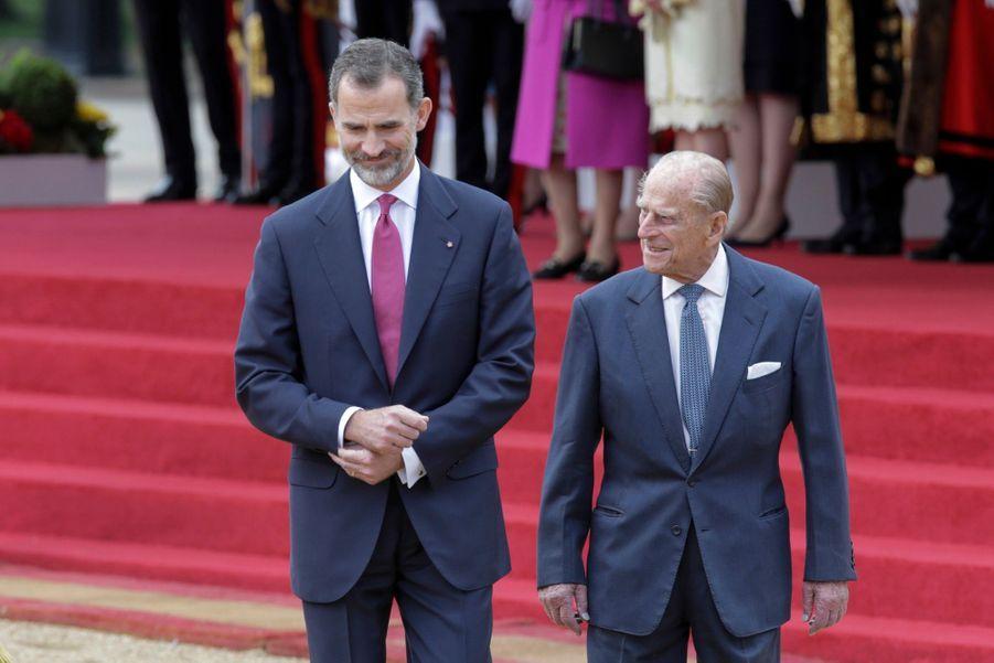 Letizia Et Felipe En Visite Chez La Reine Elizabeth II 25