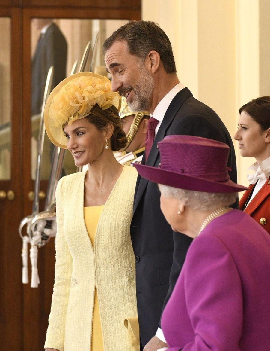 Letizia Et Felipe En Visite Chez La Reine Elizabeth II 28