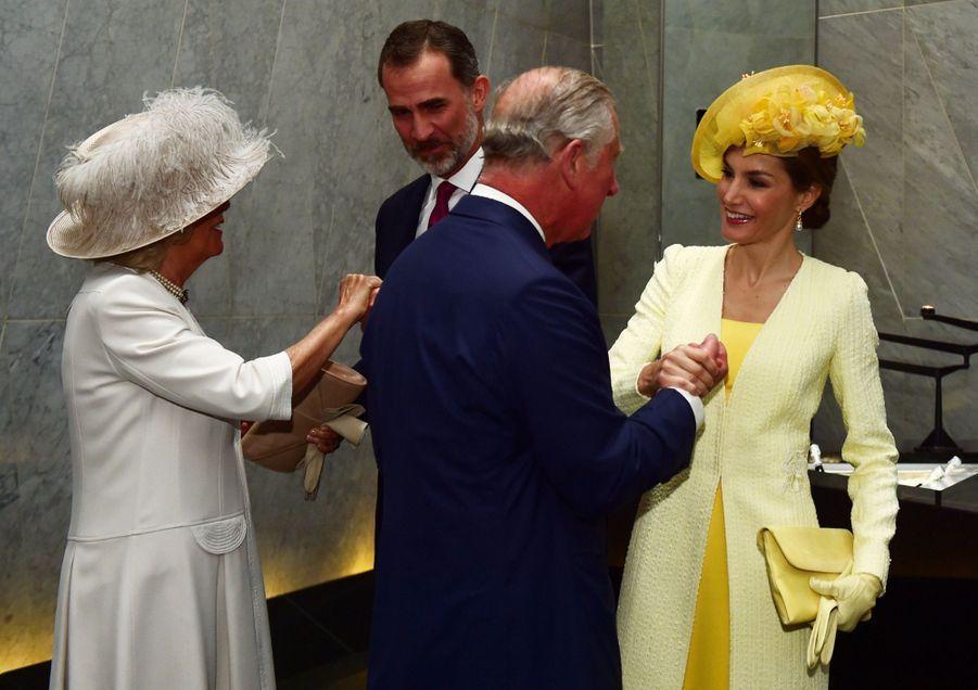 Letizia Et Felipe En Visite Chez La Reine Elizabeth II 3