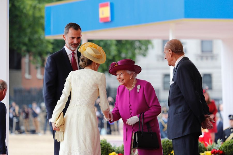 Letizia Et Felipe En Visite Chez La Reine Elizabeth II 34