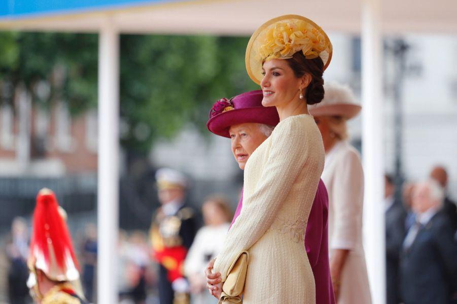 Letizia Et Felipe En Visite Chez La Reine Elizabeth II 37