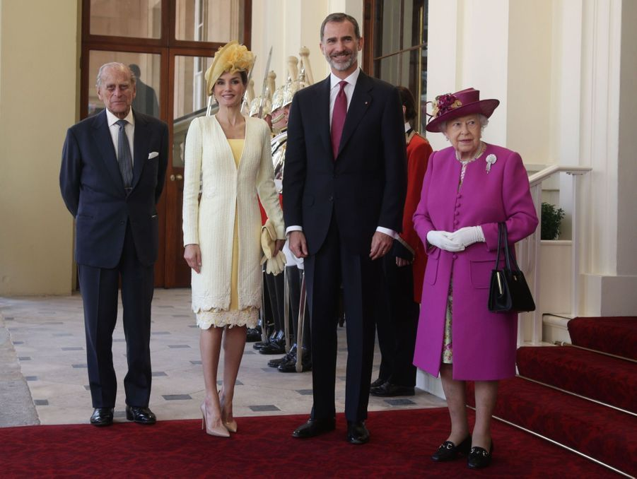 Letizia Et Felipe En Visite Chez La Reine Elizabeth II 5