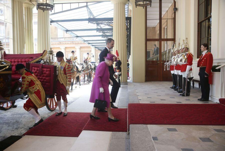 Letizia Et Felipe En Visite Chez La Reine Elizabeth II 6