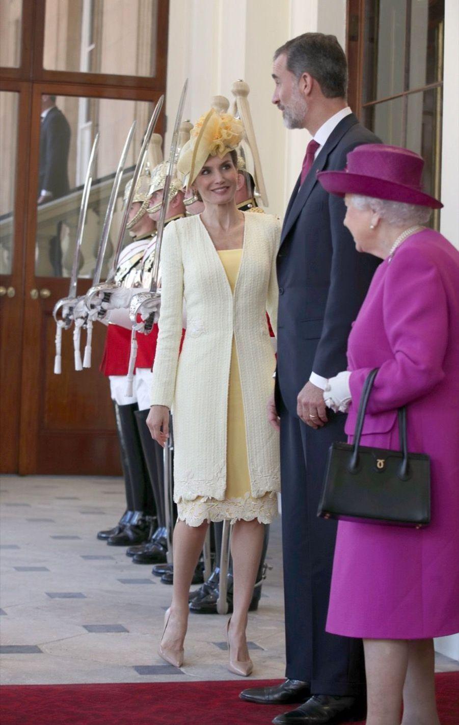 Letizia Et Felipe En Visite Chez La Reine Elizabeth II 7