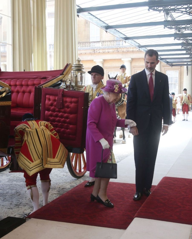 Letizia Et Felipe En Visite Chez La Reine Elizabeth II 8
