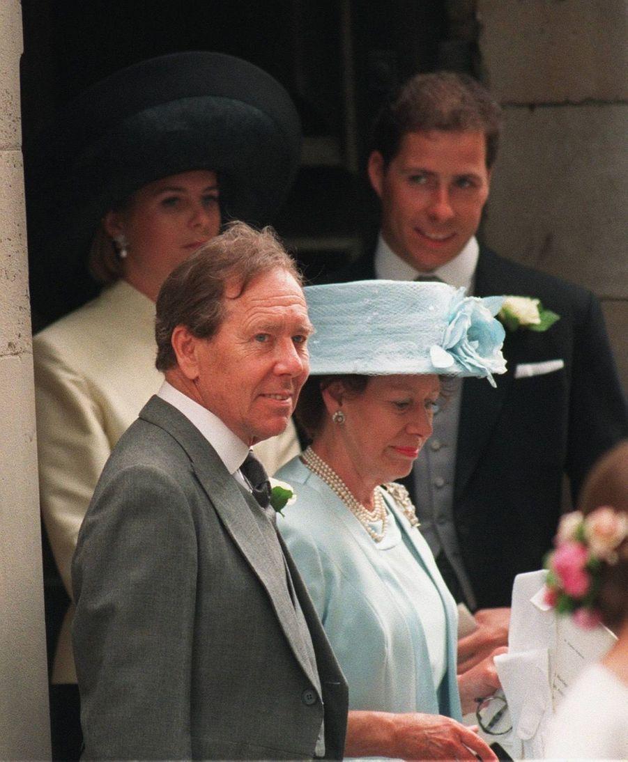 Lord Snowdon et la princesse Margaret lors du mariage de leur fille Sarah Armstrong-Jones et Daniel Chatto le 14 juillet 1994