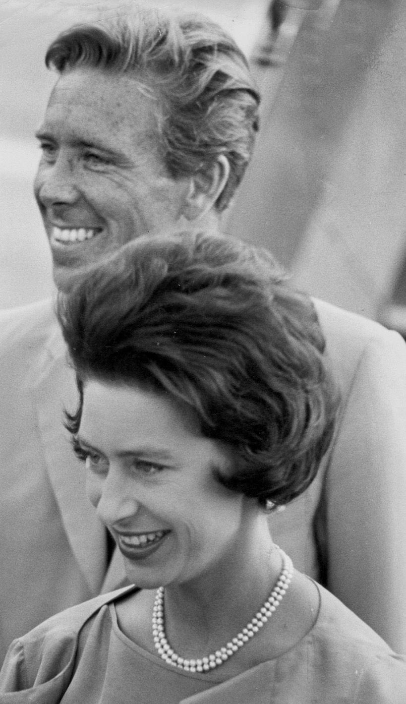 La princesse Margaret et Lord Snowdon à l'aéroport de Londres le 18 septembre 1963
