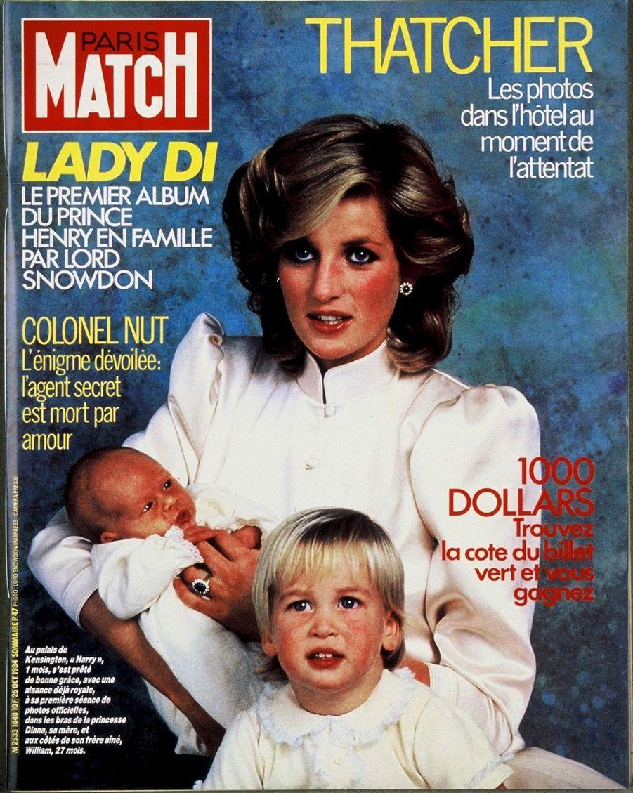 La princesse Diana avec les princes Harry et William, octobre 1984