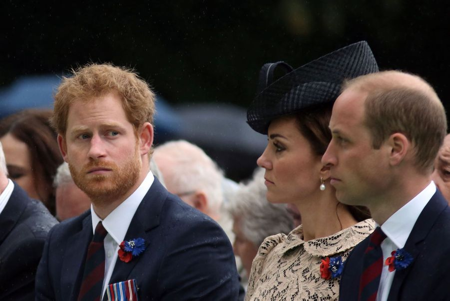 Kate, William et Harry aux commémorations de la bataille de la Somme, à Thiepval en France, le 1er juillet 2016