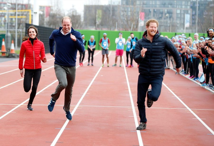 Kate, William et Harry font la course pour Heads Together, le 5 février 2017.