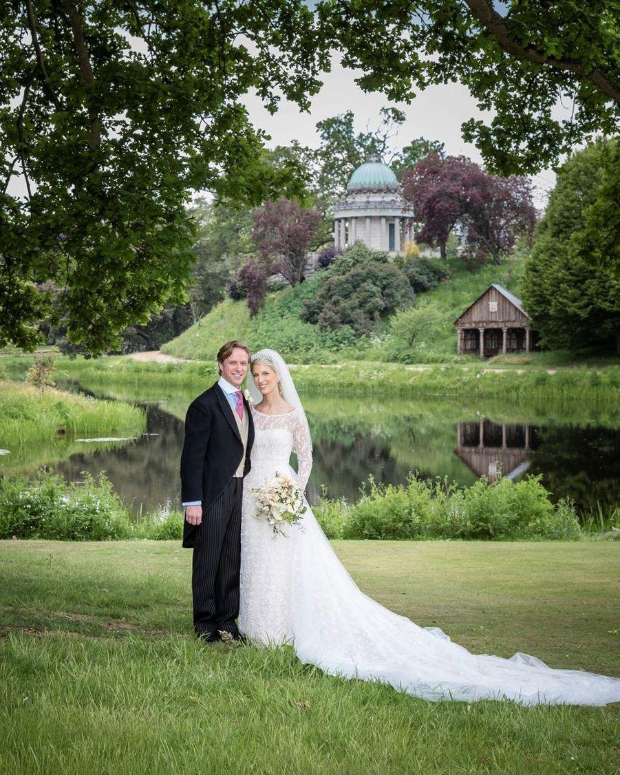 Photo officielle du mariage de Lady Gabriella Windsor et de Thomas Kingston dans le parc de Frogmore House, le 18 mai 2019