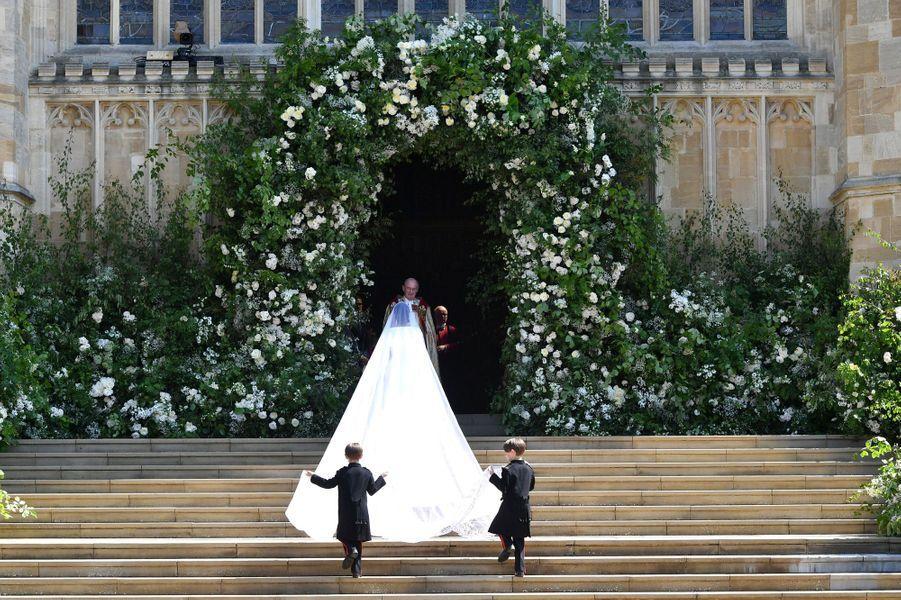 Arrivée deMeghan Markle àla chapelle St George du château de Windsor.