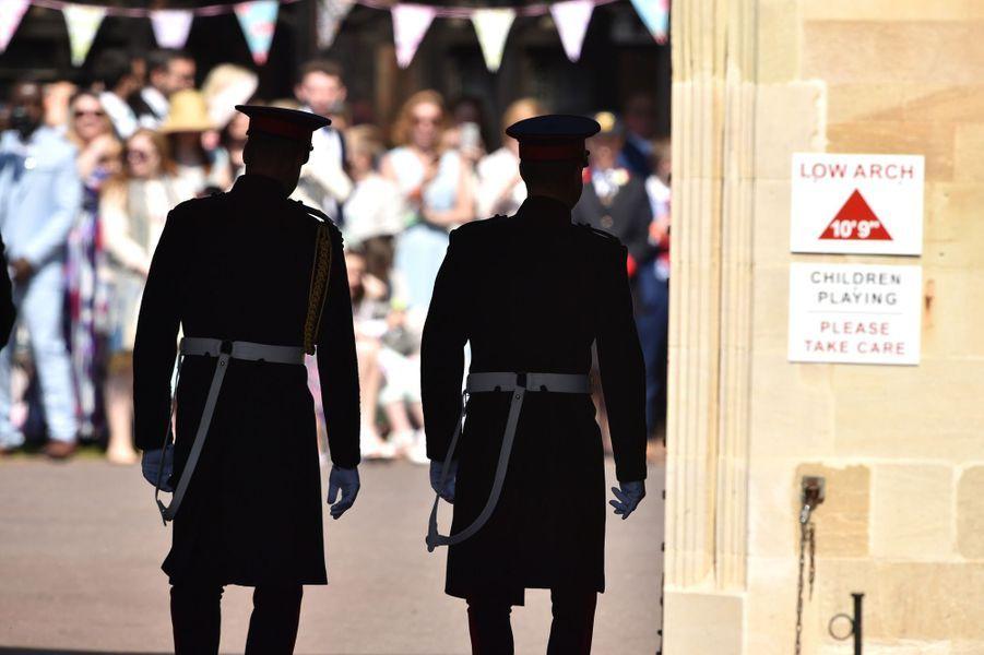 Arrivée des princes William et Harry.