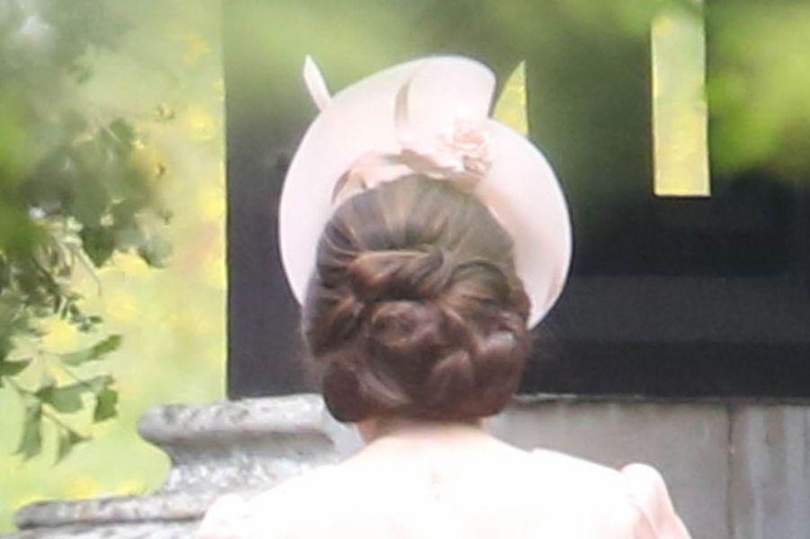 Le chignon de la duchesse Catherine de Cambridge au mariage de Pippa Middleton à Englefield, le 20 mai 2017
