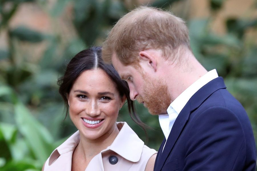 Meghan Markle et le prince Harryà la réception organisée àla résidence du Haut-commissaire de Grande-Bretagne en Afrique du Sud àJohannesburg le 2 octobre 2019