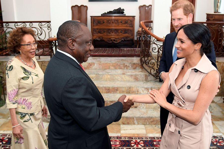 Meghan Markle et le prince Harry rencontrent le président sud-africain Cyril Ramaphosa et son épouse Tshepo Motsepe à Pretoria le 2 octobre 2019