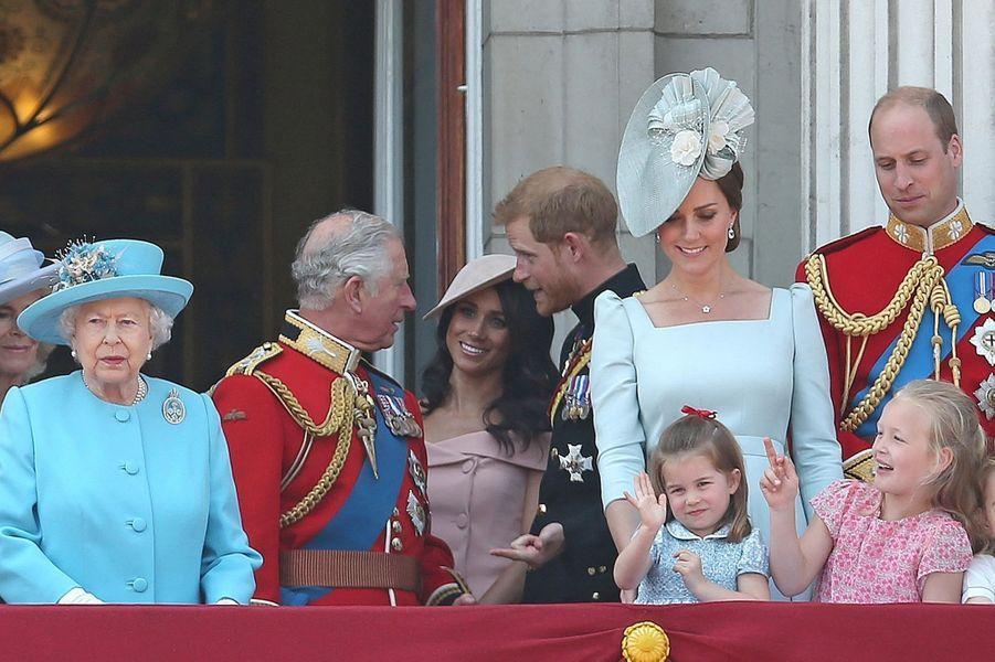 Harry et Meghan avec la famille royale à la parade Trooping the Colour en juin2018