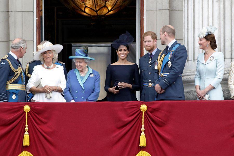 Harry et Meghan avec la famille royalelors de la parade aérienne de la Royal Air Force en juillet 2018