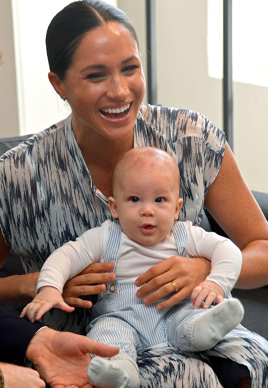 Une première sortie réussie pour l'adorable petit prince, qui a capté toute l'attention