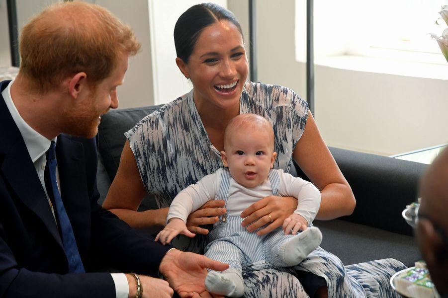 Meghan Markle, le prince Harry et leur fils Archie rendent visite à Desmond Tutu et sa filleTheresa Thandekaau Cap en Afrique du Sud le 25 septembre 2019