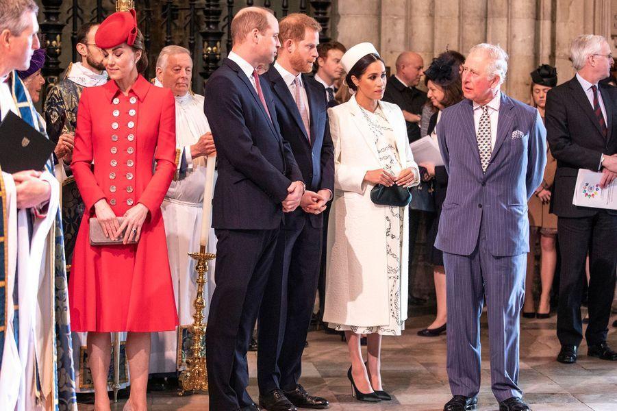 Le prince Harry et Meghan Markle, enceinteassistent à l'office duCommonwealth Day àWestminster Abbey à Londres aux côtés deKate Middleton, du prince William, et du prince Charlesle 11 mars 2019.