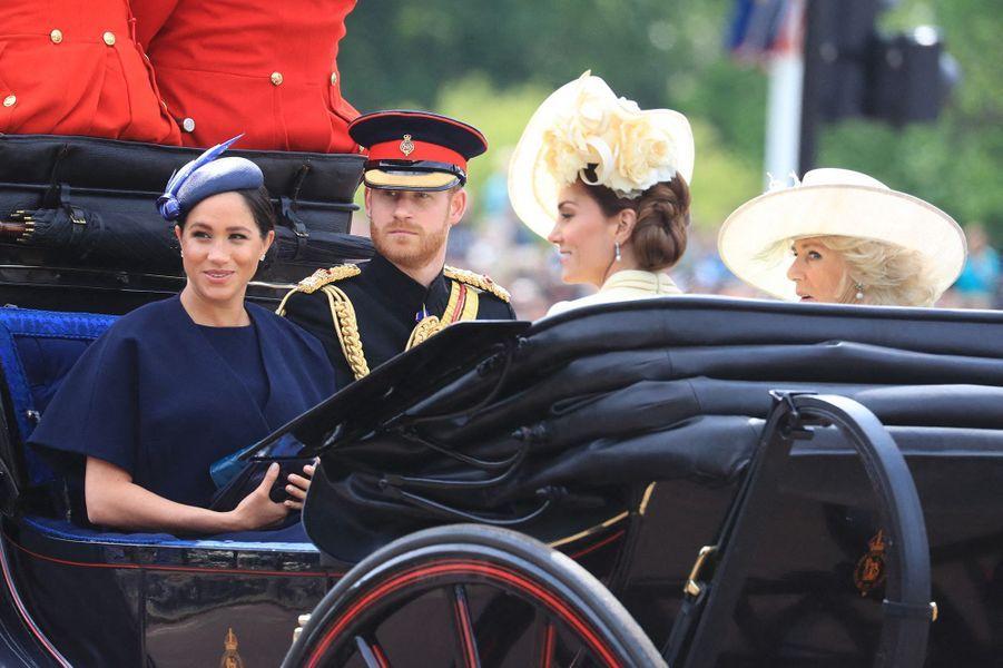 Meghan Markle fait son retour sur la scène publique après son accouchement, en compagnie du prince Harry, de Kate Middleton et de Camilla Shand le jour de l'anniversaire de la reine Elizabeth II à Londres le 8 juin 2019.