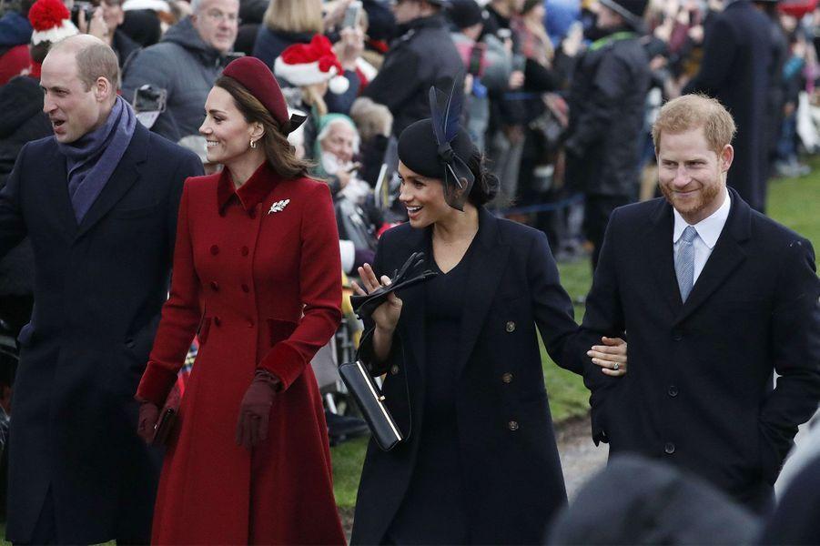 Le prince William et son épouse la duchesse Catherine ont participé mardi à la traditionnelle messe de Noël avec le prince Harry et sa femme la duchesse Meghan.