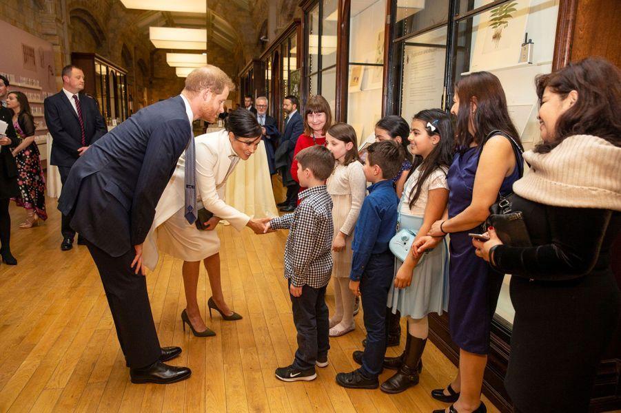 Meghan Markle et le prince Harry au musée d'Histoire Naturelle de Londres mardi soir.