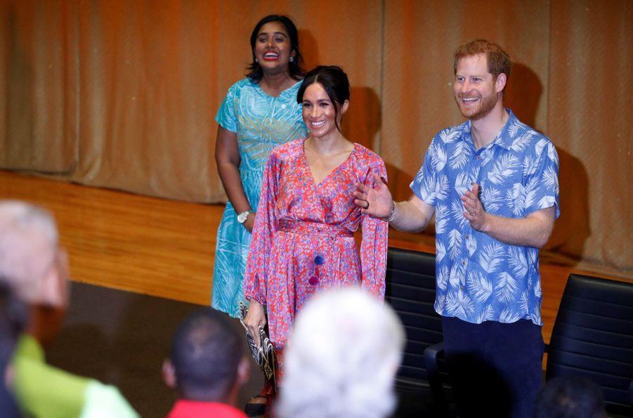 Meghan Et Harry À L'Université Du Pacifique Sud ( 5