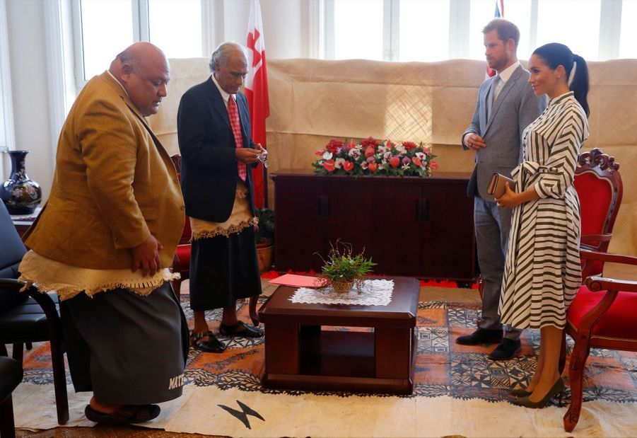 Meghan Et Harry Au Royamue De Tonga ( 4